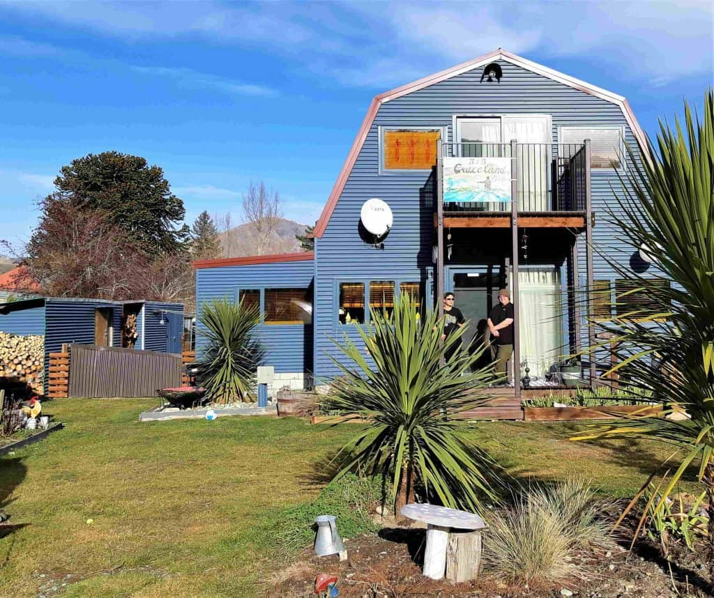 Outside view of Graceland B&B, Athol, NZ